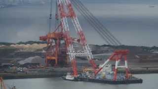 getlinkyoutube.com-Floating Crane Lifting Shipping Crane