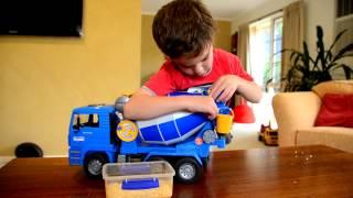 getlinkyoutube.com-Tyler's Bruder Cement Mixer