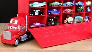 getlinkyoutube.com-Disney Cars Mack Truck Hauler Carry Case Store 30 Diecasts Woody Buzz Toy Story  ディズニーカーズ マック