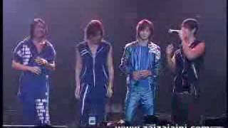 getlinkyoutube.com-F4 At First Place Live in the Philippines