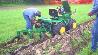 getlinkyoutube.com-Custom John Deere Garden Tractor at Little G 2010