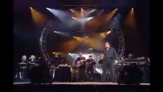 getlinkyoutube.com-Engelbert Humperdinck   Great Balls On Fire Live London Palladium 2000