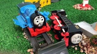 getlinkyoutube.com-Thomas and Friends Crash n Repair Story Disney Cars Toys Egg Surprise, Play Doh Full Episode