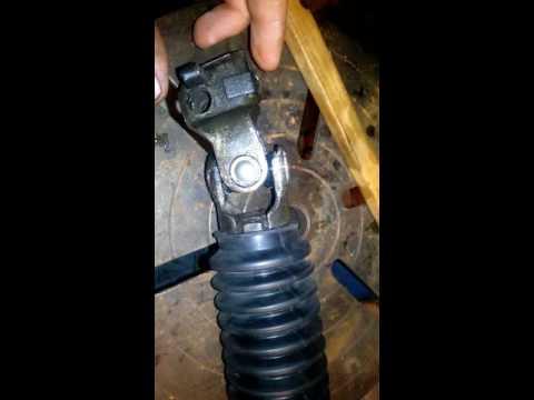 Замена карданчика рулевой колонки ситроен берлинго. Видео 2.