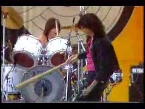 Ramones - Beat On The Brat Live San Bernardino