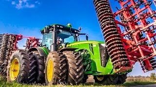 getlinkyoutube.com-John Deere tractor 8370 R in Action! Amazing farming technology!