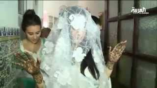 لما تتزين العروس المغربية بالحناء