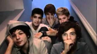 getlinkyoutube.com-One Direction Momentos Divertidos Sub. Español (Parte 1)