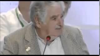 getlinkyoutube.com-Mujica le dice sus verdades en la cara a Peña Nieto y políticos | En Vivo 2014