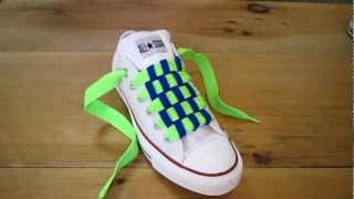 getlinkyoutube.com-How to Checkerboard Lace Chuck Taylors
