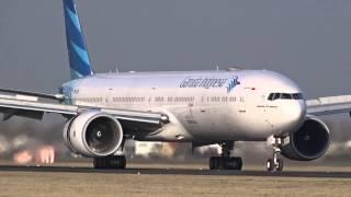 getlinkyoutube.com-Garuda Indonesia - Boeing 777-300 ER - Quick landing at AMS (PK-GID)