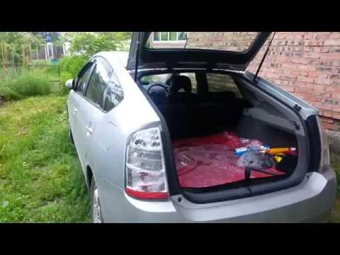 Toyota Prius - полное автоматическое открытие задней двери
