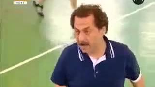 Arka Siradakiler -Basketbol maçında