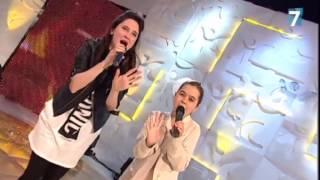 getlinkyoutube.com-Lodovica Comello y Julia cantan 'Universo'