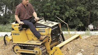 getlinkyoutube.com-Struck - Magnatrac - Rs1000 - Compact Crawler Tractor