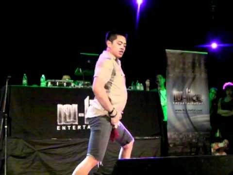 Brian Puspos Performs &quot;Wet the Bed&quot; Live in Toronto
