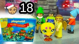 getlinkyoutube.com-New Elf  - Playmobil Holiday Christmas Advent Calendar - Toy Surprise Blind Bags  Day 18