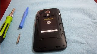 getlinkyoutube.com-COMO DESARMA (DESMONTAR) MOTO G  XT 1032 O XT 1030 BATERIA  DISPLAY TOUCH disassembly trocando