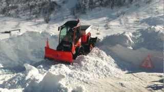 getlinkyoutube.com-S 990 Holder - cingolato - preparazione battipista per piste da sci di fondo / sci nordico