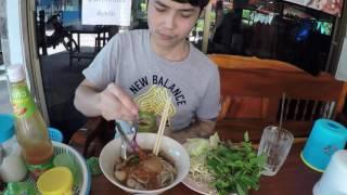 getlinkyoutube.com-ก๋วยเตี๋ยวหมูน้ำตก ร้านฮ่องเต้