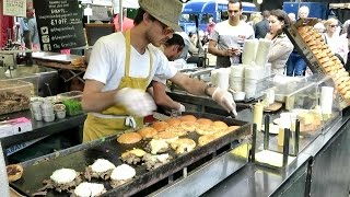 getlinkyoutube.com-London Street Food. The Duck Meat Burger. Real Time Preparation. French Cuisine