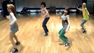 getlinkyoutube.com-2NE1 'Falling In Love' mirrored Dance Practice