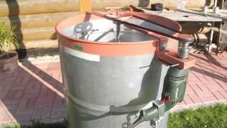getlinkyoutube.com-Самодельная электрическая медогонка из подручных материалов.