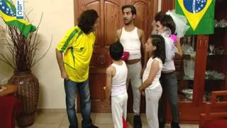 getlinkyoutube.com-Ktir Salbe Show - Episode 41 - لطيف و عائلته والمونديال