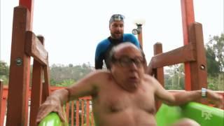 getlinkyoutube.com-Its Always Sunny in Philadelphia - Frank tries the Thunder Gun Express water slide