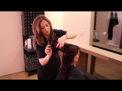Cieniowanie rudych włosów - wydobycie koloru i nowego kształtu fryzury