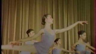 getlinkyoutube.com-Sylvie Guillem at 14, in class