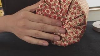 getlinkyoutube.com-How To Gift Wrap A Circular Object
