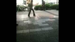 getlinkyoutube.com-森恵 路上ライブ 雨と夢のあとに カバー 渋谷にて