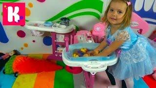 getlinkyoutube.com-Детская кухня спальня и ванная распаковка большого набора Baby Nurse unboxing big toys