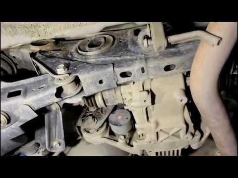 Замена втулок заднего стабилизатора Toyota RAV4 2,0 Тойота РАВ 4 2011 года