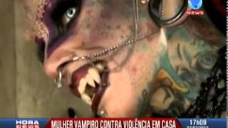 getlinkyoutube.com-Vampiro: Mulher Vampiro desafia estereótipos e tenta provar que aparências enganam