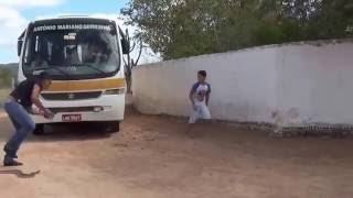 getlinkyoutube.com-Susto cobra Guilherme O menino miseravi