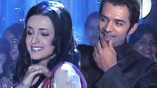 getlinkyoutube.com-Arnav & Khushi's ROMANTIC DANCE TOGETHER in Iss Pyaar Ko Kya Naam Doon 1st May 2012