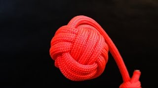 getlinkyoutube.com-How to tie Monkey's Fist knot paracord keychain