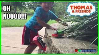 getlinkyoutube.com-THOMAS AND FRIENDS Accidents will Happen Playtime at the Park Thomas the Tank Engine Ryan ToysReview