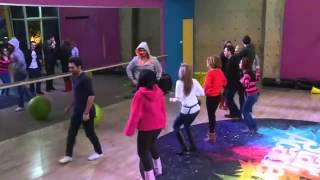 getlinkyoutube.com-شاهدوا طلاب ستار اكاديمي 9 في رقصات حماسية داخل الاكاديمية