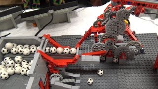 getlinkyoutube.com-LEGO Great Ball Contraption | Brickworld Indy 2016