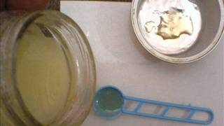 getlinkyoutube.com-Natural Face Bleach/Honey and Lemon Juice