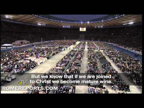 Pope's Mass in Berlin  With God we can transform even the negative into love