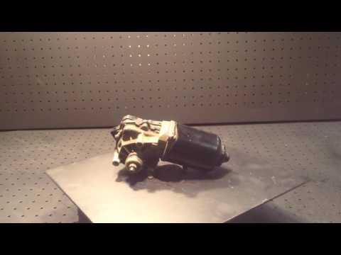 Где находится моторчик стеклоподъемника у ГАЗ Волга Универсал