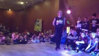getlinkyoutube.com-احلى رقص بنات ديسكو على اغنية ريمكس