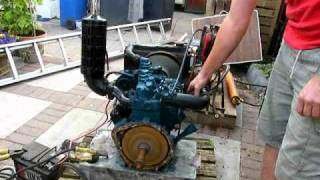 getlinkyoutube.com-kubota 2 cylinder engine diesel start/ stop