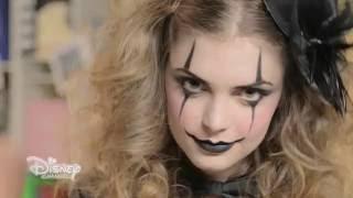 getlinkyoutube.com-Disney Trucchi di Trucco con Alex & Co. - Un trucco da clown per Halloween - Episodio 5