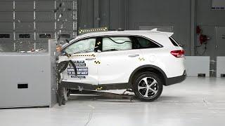 getlinkyoutube.com-2016 Kia Sorento small overlap IIHS crash test