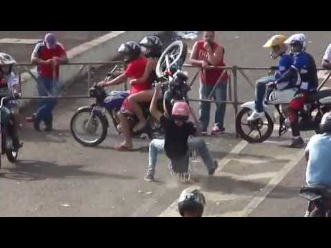 AUTO GIRO 2014 Manobras Motos Freestyle Wheeling Empinando G